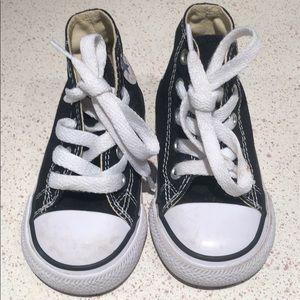 converse kid sneaker